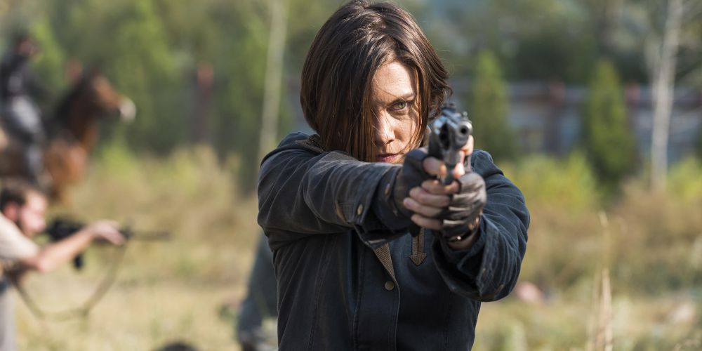 The Walking Dead - Lauren Cohan as Maggie with gun