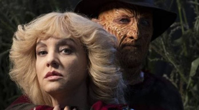 Wendi McLendon-Covey and Robert Englund