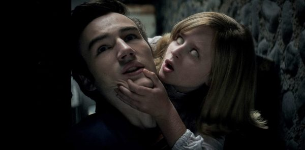 Parker Mack and Lulu Wilson in Ouija: Origin of Evil (2016)